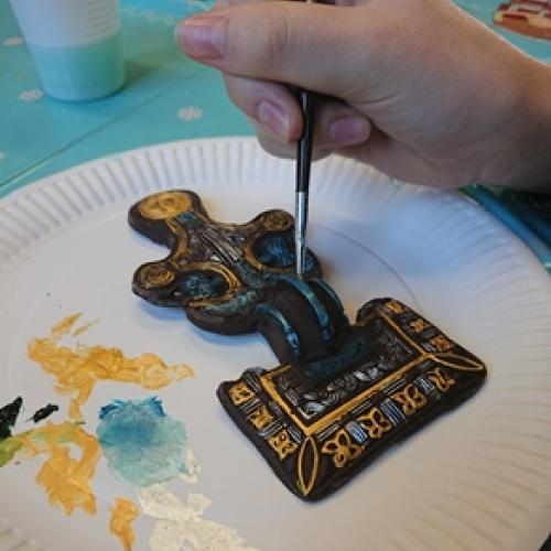 painting a replica