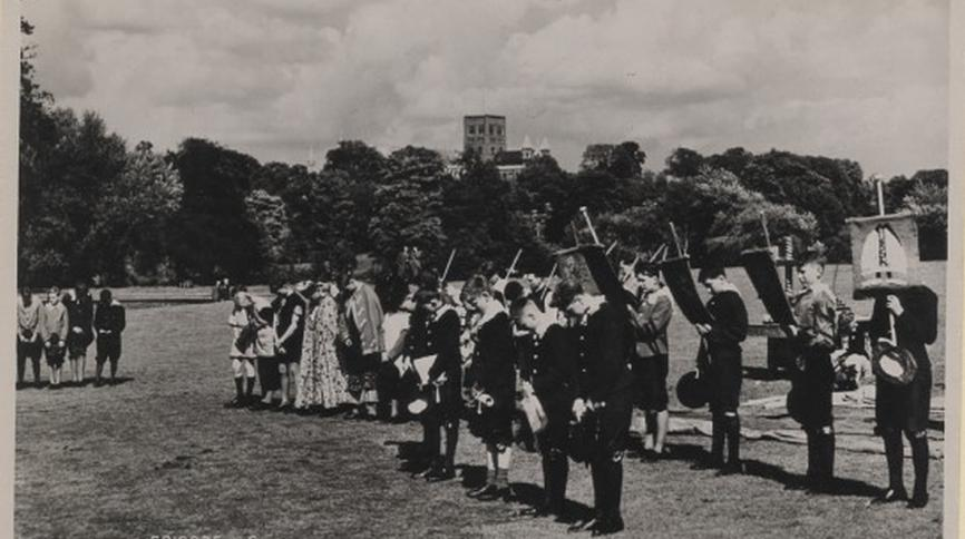 "Monochrome postcard showing ""Episode 6"" of the St Albans Millenary pageant, 1948"