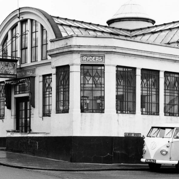 Ryder's Floral Hall & offices, corner of Holywell Hill & Albert Street,1964